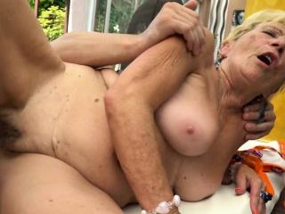 Chubby grandmas hairypussy fucked outdoors