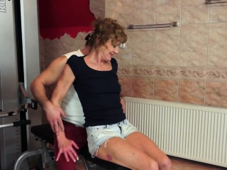 Mature old lady sucking