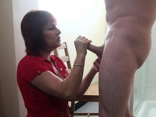 Mature cfnm amateur sucks