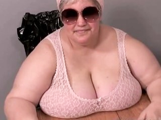 French BBW Loves Piss - Full Scene
