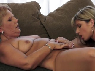 Bigtits Grandmother Pussylicking Teen Pussy