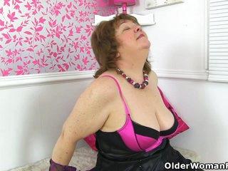 An older woman means fun part 304