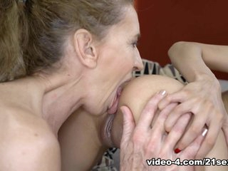 Viol & Ashley Ocean in Forbidden Affair - 21Sextreme