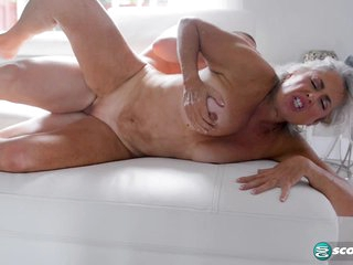Very young cock for Silva Foxx - 60PlusMilfs