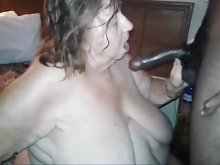 Old fat slut fukin n sukin my friend