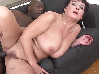 02 jessica hot GRANNY LOVES BLACK anal