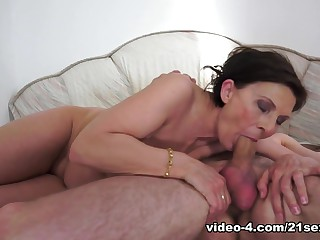 Fabulous pornstar in Hottest Cunnilingus, Facial sex movie