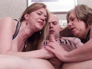 Group sex BBWs / Grannies
